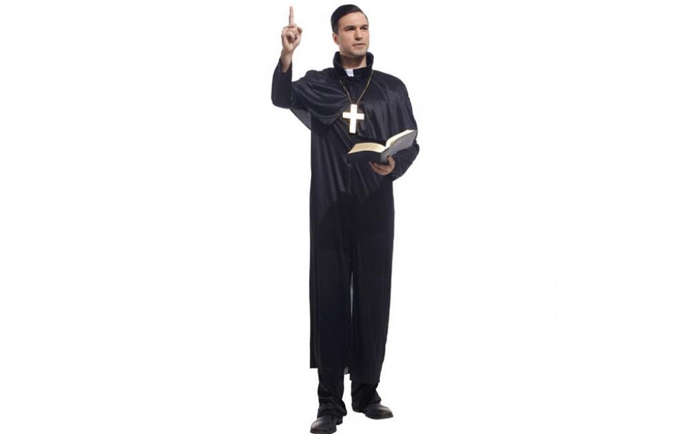 Образы Хэллоуина: католический священник